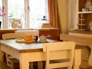 Choosing the perfect dining table