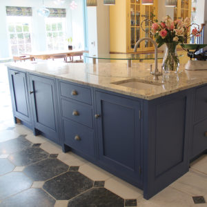 Freestanding Kitchen Islands - Entertaining in The Kitchen