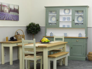 Display your crockery with a dresser