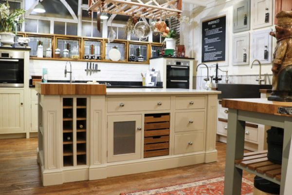 Large island with marble and wood top in the Mudd & Co factory sale 2019/2020. Handcrafted kitchen and home furniture