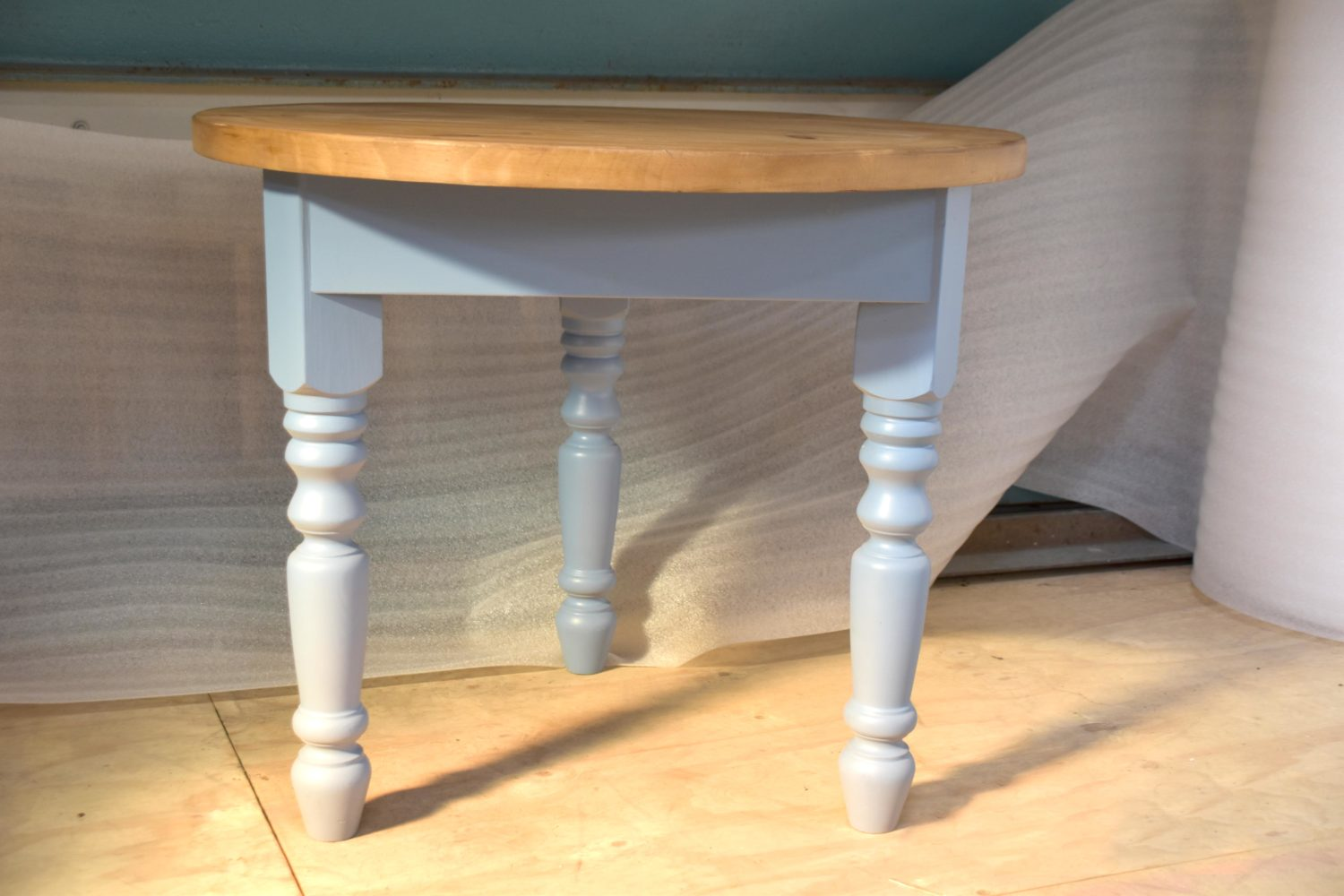 Cricket Table in the Mudd & Co factory sale 2020. Handcrafted kitchen and home furniture