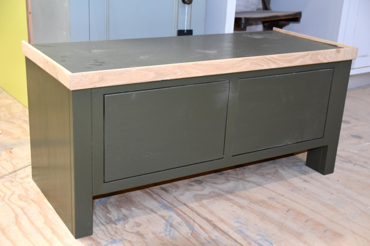 This window seat is hand painted in Little Greene Invisible Green and comes with two drawers with handles of your choice. Hand crafted by Mudd & Co.