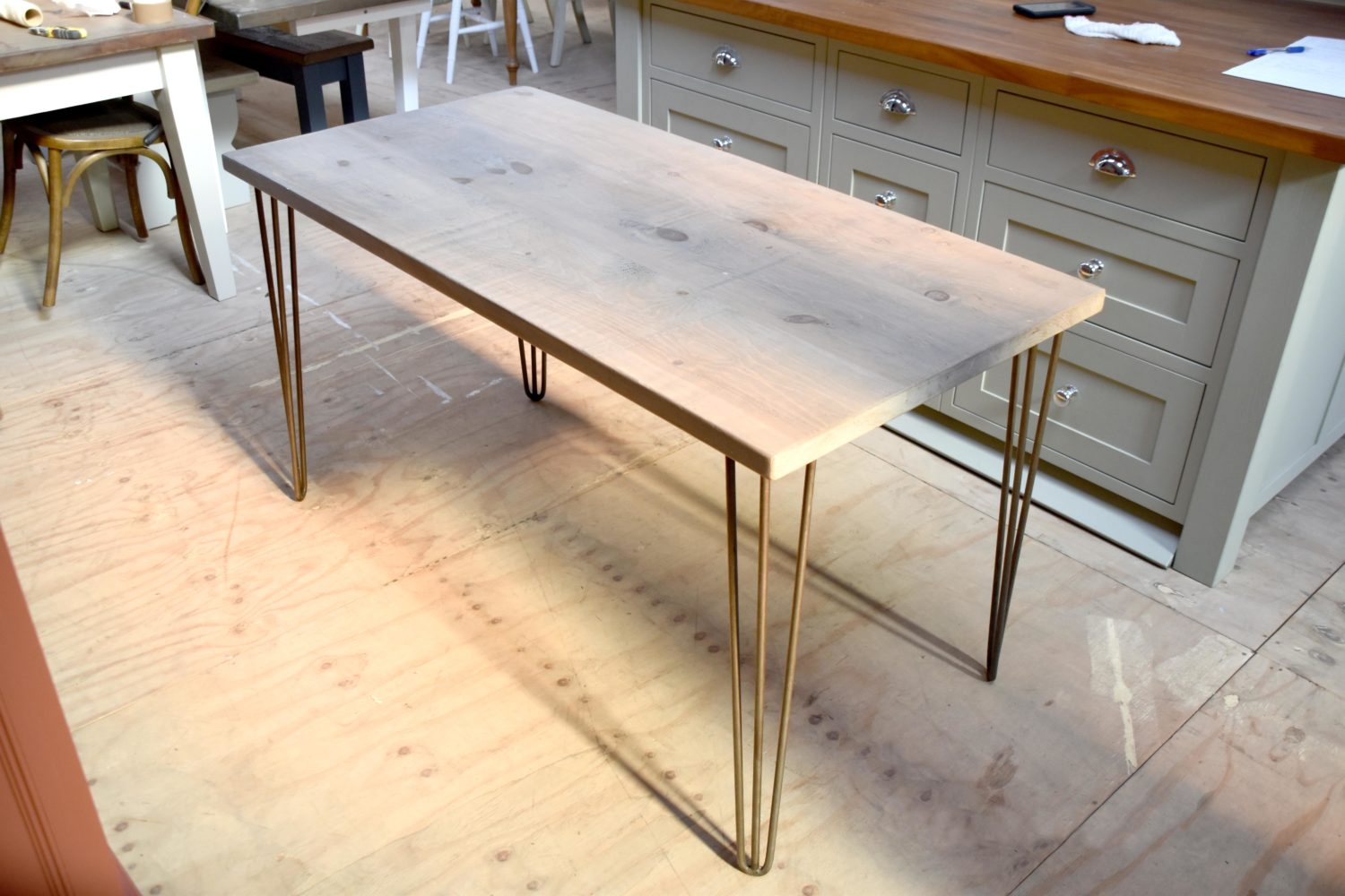 Hairpin legged table in the Mudd & Co factory sale 2020. Handcrafted kitchen and home furniture