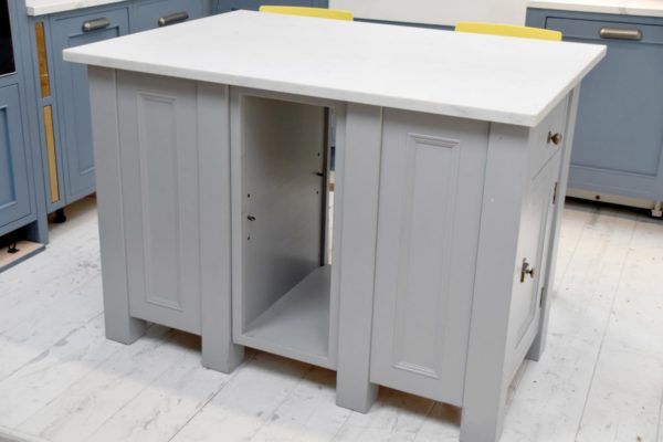 Quartz Top Island with Seating Area in the Mudd & Co factory sale 2020. Handcrafted kitchen and home furniture