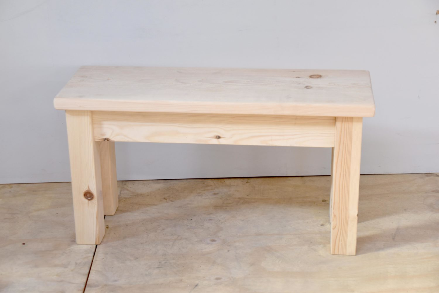 Small Square Leg Bench in the Mudd & Co factory sale 2020. Handcrafted kitchen and home furniture