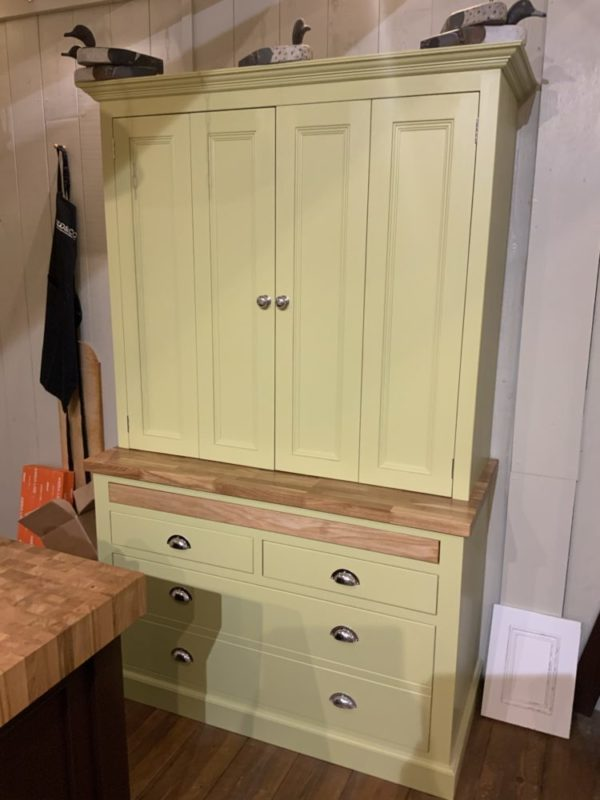 Bi-Fold Butler's Pantry with Oak Top